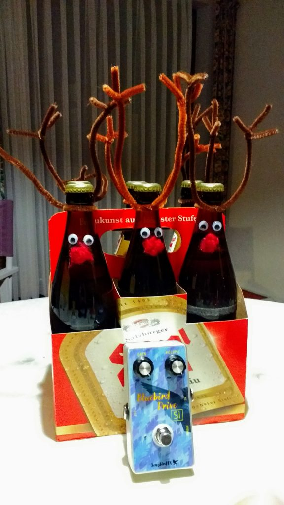 rudolpf the red nosed reindeer beer stiegl goldräu rock n roll guitar pedal rechargeable bluebird songbird fx overdrive boutique christmas